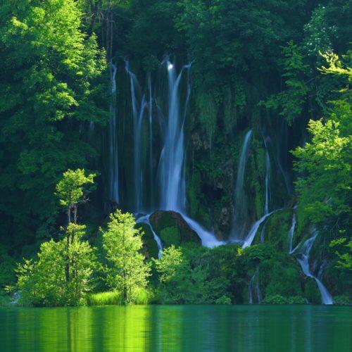 Croatia Tour: Lakes and Mediterranean Harmony