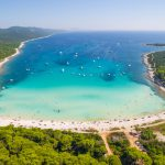 En velero por la costa croata