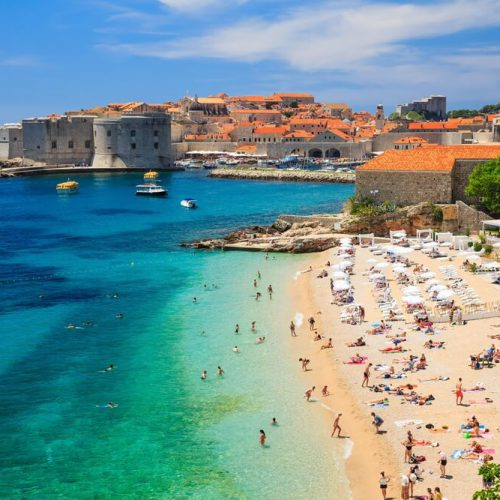 The choice between Croatia cruise, private tours, and escorted tours