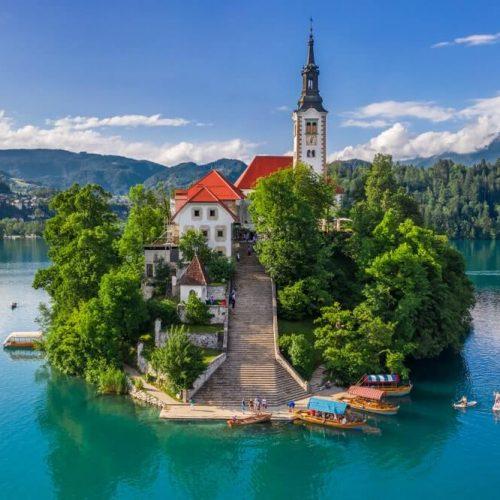 Tendrá la oportunidad de conocer la cultura balcánica, sus preciosas ciudades y la naturaleza impecable!